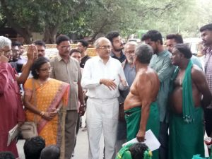 Prashant Bhushan presented the Petition to the TamilNadu Farmers and explained to them the prayers made and the steps to be taken in Court